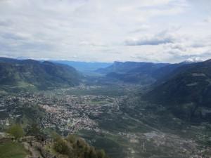 山上からの風景。あ、まだ中腹なのか。