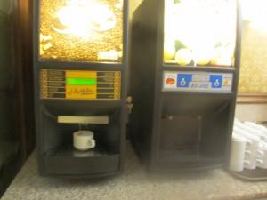 イタリアのくせしてこんなコーヒーマシンしかないのはいかがなものか。大減点ポイント。